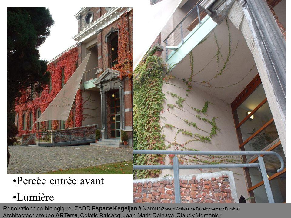 Rénovation éco-biologique : ZADD Espace Kegeljan à Namur (Zone dActivité de Développement Durable) Architectes : groupe ARTerre, Colette Balsacq, Jean-Marie Delhaye, Claudy Mercenier Salle de réunion au-dessus des bureaux du 1er