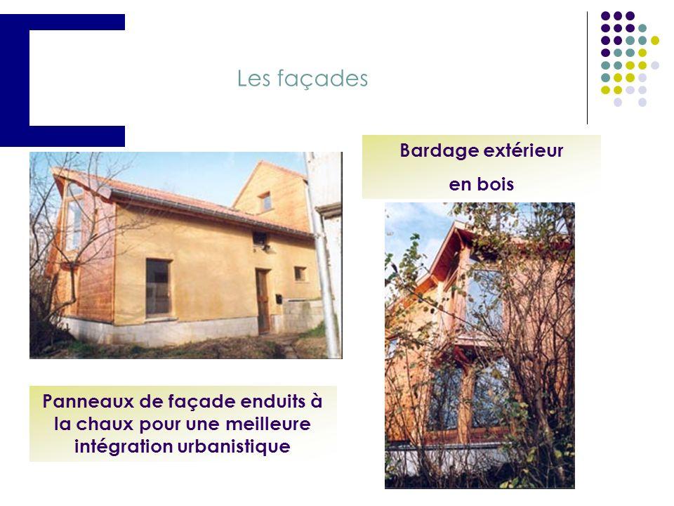 Troisième étape : panneaux, isolants et façades Isolant de cloison Panneaux de bois