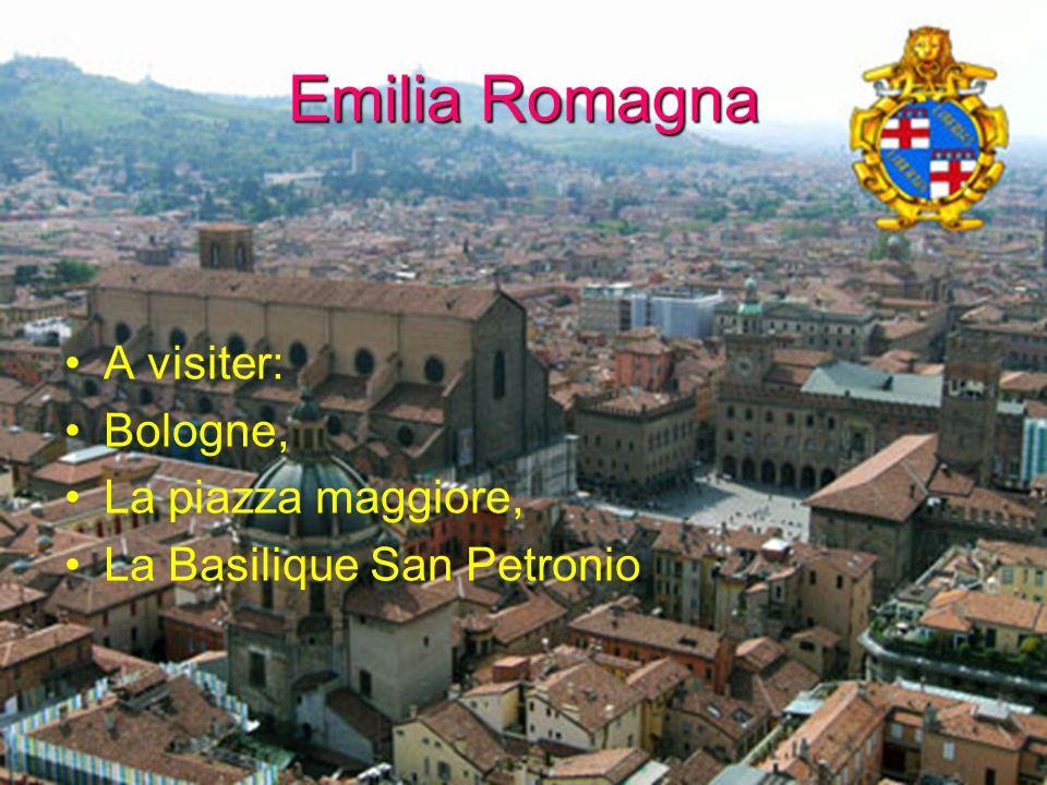 Emilia Romagna A visiter: Bologne, La piazza maggiore, La Basilique San Petronio