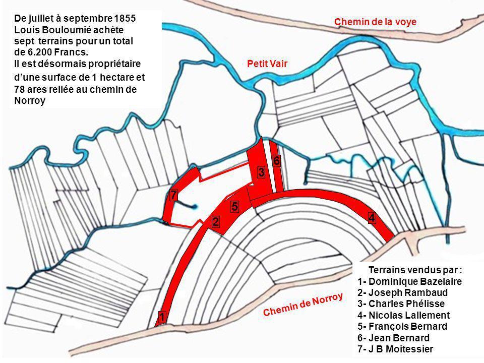 Le terrain et la source se situaient au Chempy, dans une vallée humide drainée par des fossés se déversant dans le petit Vair. Il est enclavé parmi de