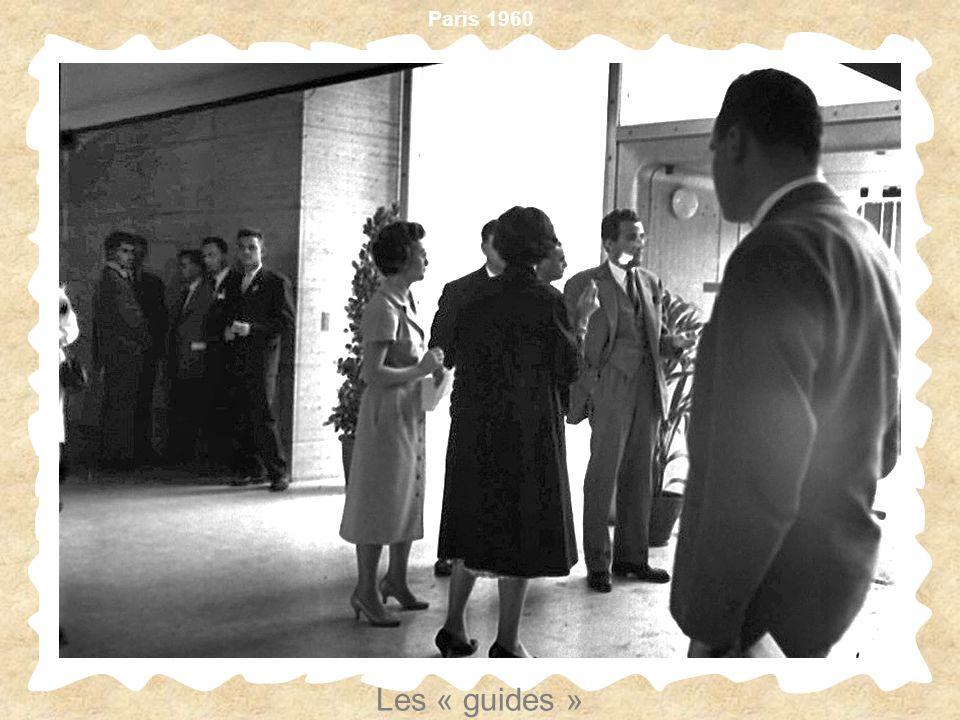 Paris 1960 Les « guides »