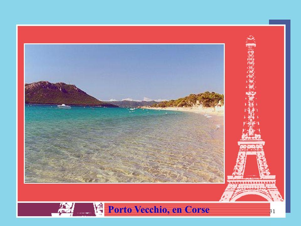 30 LÎLE DE LA CORSE (Capitale AJJACIO) Vue aèrienne dAjjacio, en Corse – Napoléon Bonaparte y est née en 1769