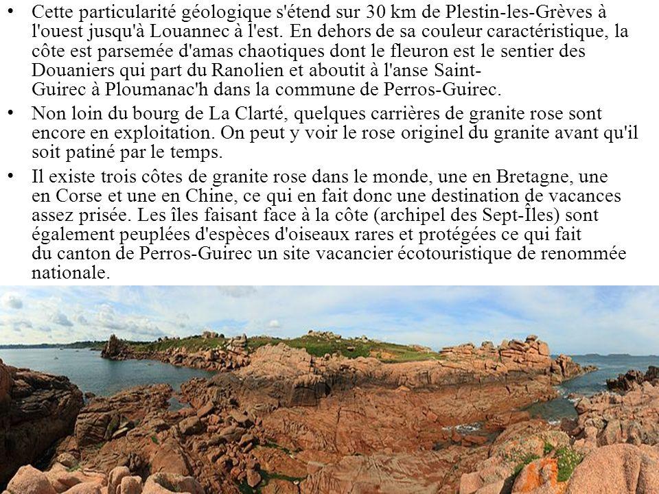 Cette particularité géologique s'étend sur 30 km de Plestin-les-Grèves à l'ouest jusqu'à Louannec à l'est. En dehors de sa couleur caractéristique, la