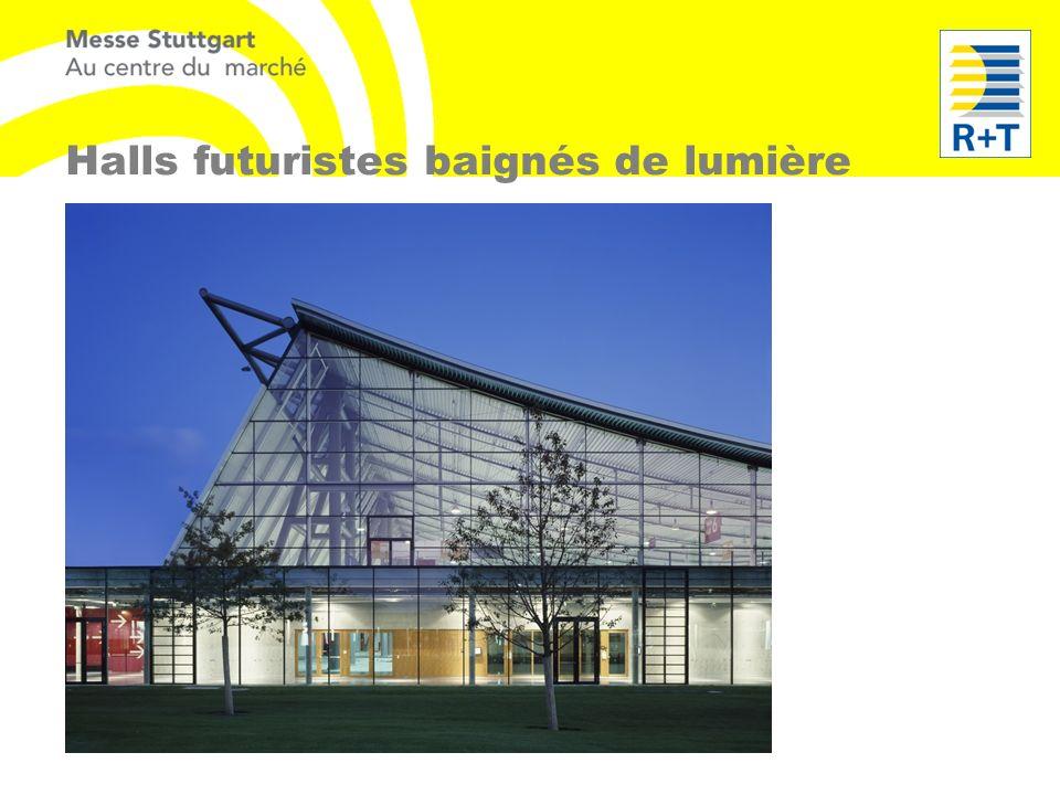 Halls futuristes baignés de lumière