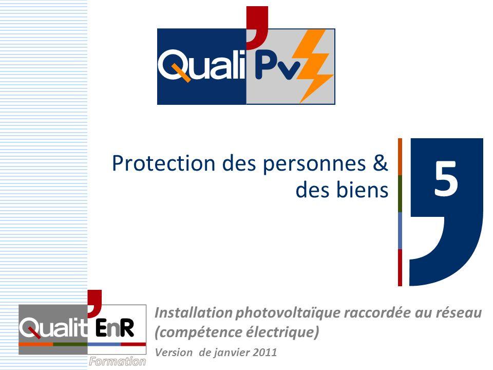 22 Protection contre les risques dincendie Coté DC: plusieurs chaînes en parallèle (>2) –I RM : courant inverse des modules (donnée constructeur) –En cas de défaut sur une chaîne, courant inverse chaîne I RM > I n courant nominal chaîne –Nécessité de protections contre la surcharge si Nc max (1 + I RM / I sc STC ) (nombre maximum de chaînes en parallèle sans protection) PV (compétence électrique) – Chap.