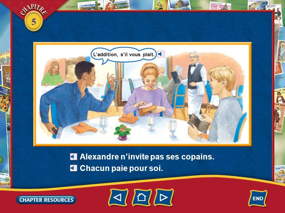 5 Alexandre prend un steak frites. À point, sil vous plaît. Vous aimez votre steak comment? Monsieur, sil vous plaît! Je nai pas de serviette. saignan