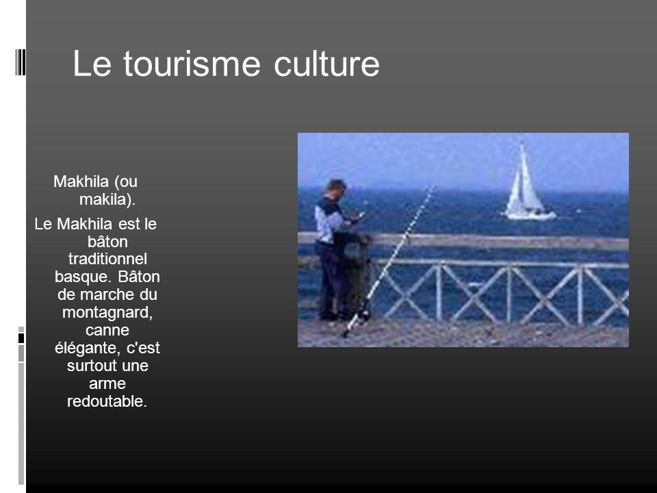Le tourisme culture Makhila (ou makila). Le Makhila est le bâton traditionnel basque. Bâton de marche du montagnard, canne élégante, c'est surtout une