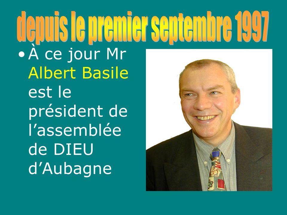 ALLÉE DE LA FOURMI Nous avons quitté la rue Louis Blanc avec environ 75 membres et nous quittons la clé des Champs 23 ans plus tard avec environ 150 membres.