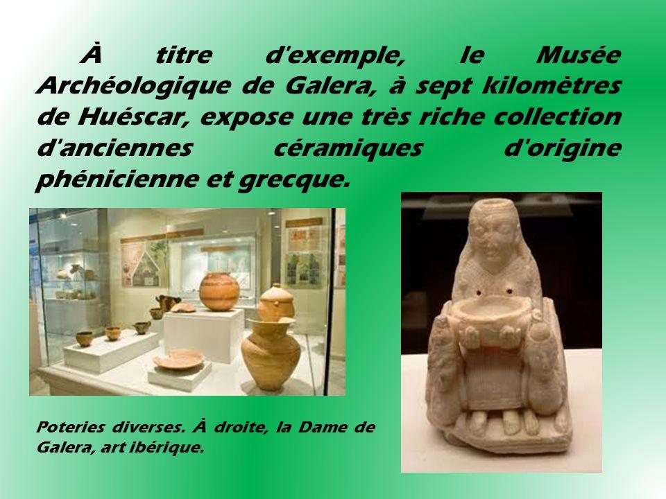 Poteries diverses. À droite, la Dame de Galera, art ibérique. À titre d'exemple, le Musée Archéologique de Galera, à sept kilomètres de Huéscar, expos