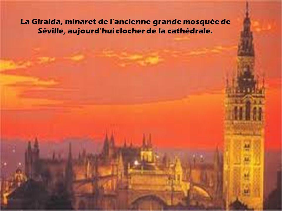 Un des exemples les plus majestueux de l usage de la faïence est la Place d Espagne (Plaza de España), à Séville.