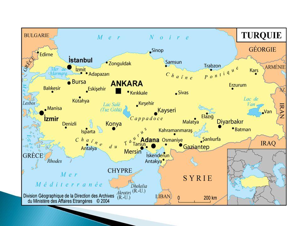 La Turquie est un Etat laïc évoluant sous un régime parlementaire.