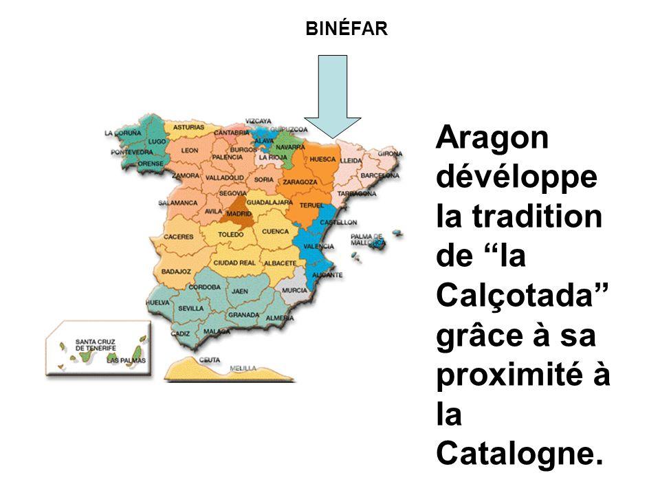 Aragon dévéloppe la tradition de la Calçotada grâce à sa proximité à la Catalogne. BINÉFAR