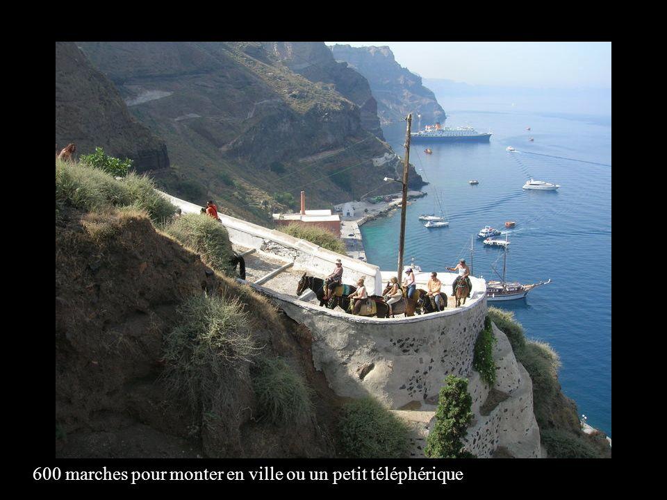 Son port, SKALA a vu les Phéniciens, les Doriens, les Bizantins et les Romains.