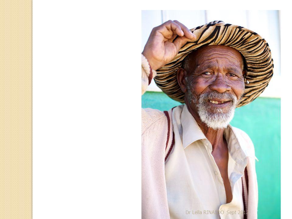 Les types de vieillissement Le vieillissement réussi : - absence ou atteinte minime des fonctions physiologiques - absence de pathologie.