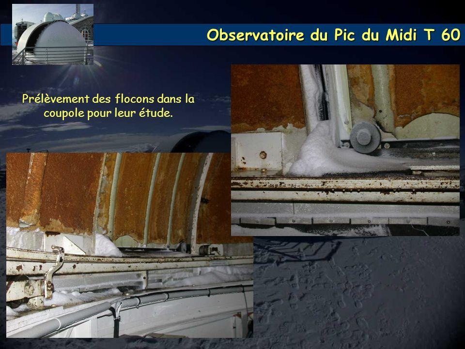 Observatoire du Pic du Midi T 60 Prélèvement des flocons dans la coupole pour leur étude.