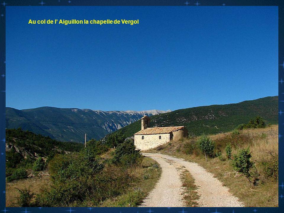 Photorandromesu d.com Avec de belles chapelles de la Drome Provençale