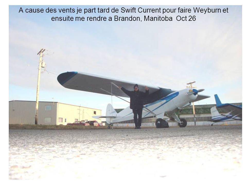 A cause des vents je part tard de Swift Current pour faire Weyburn et ensuite me rendre a Brandon, Manitoba Oct 26
