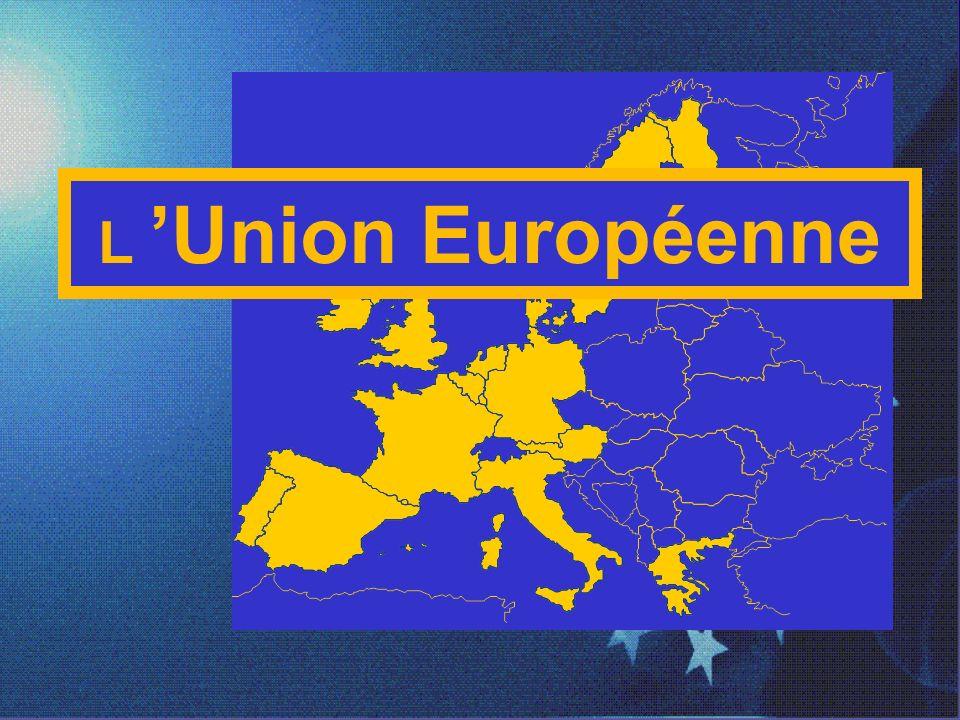 La Construction européenne 1997 Traité dAmsterdam Placer lemploi et les droits des citoyens au cœur de lUnion Supprimer les dernières entraves à la libre circulation et renforcer la sécurité Permettre à lEurope de mieux faire entendre sa voix dans les affaires du monde Adoption dun pacte de stabilité et de croissance