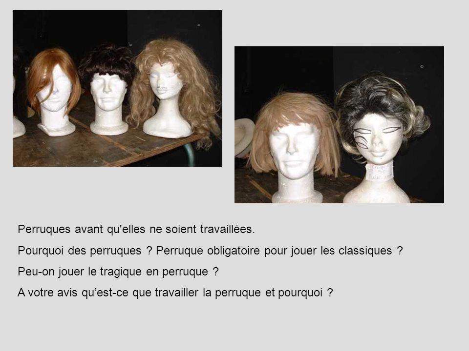 Décor brut (les loges du dispositif scénique de Dorian Gray ) avant habillage.