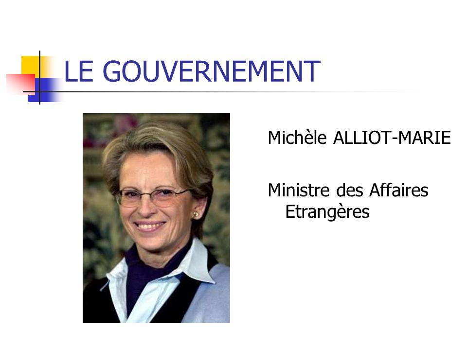 Alain JUPPE Ministre de la Défense