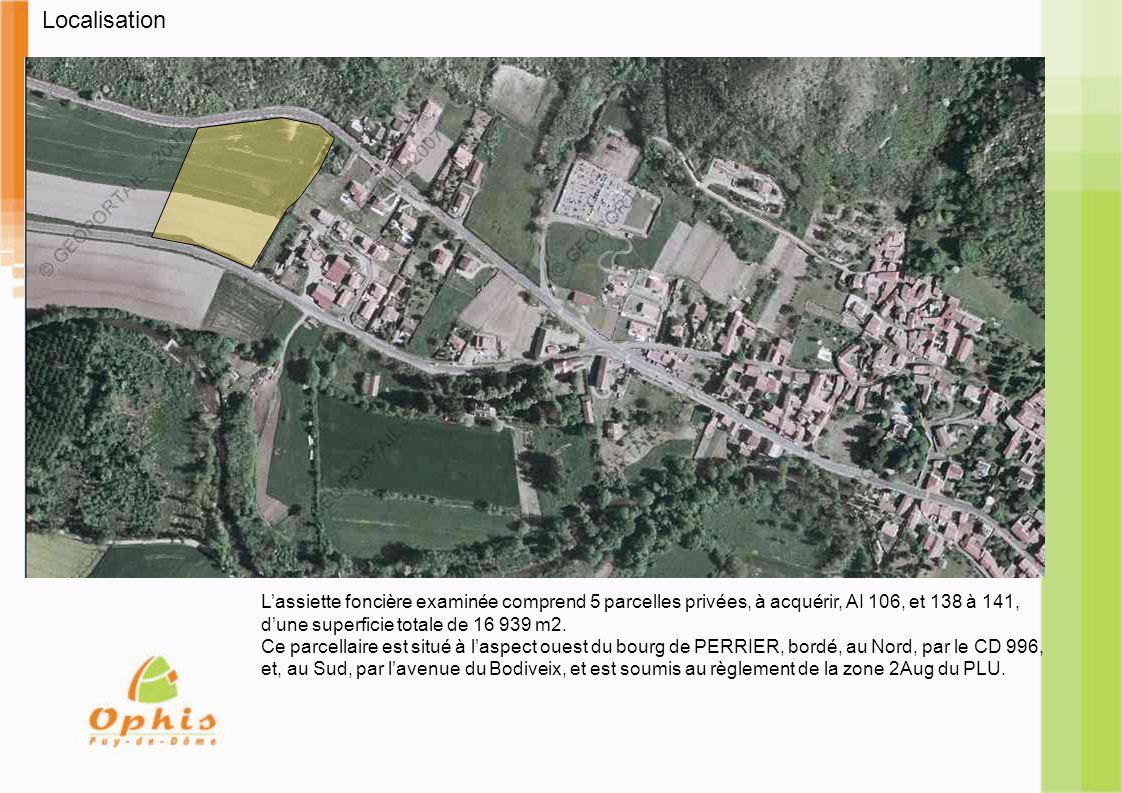 Localisation Lassiette foncière examinée comprend 5 parcelles privées, à acquérir, AI 106, et 138 à 141, dune superficie totale de 16 939 m2.