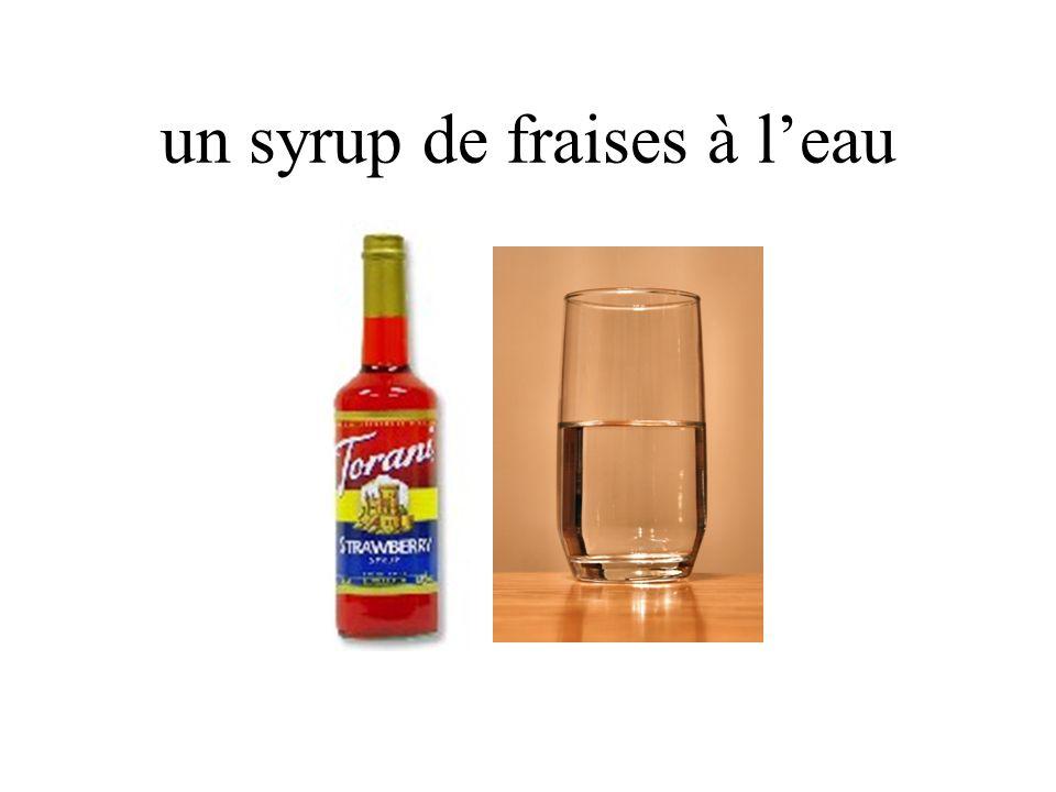 un syrup de fraises à leau