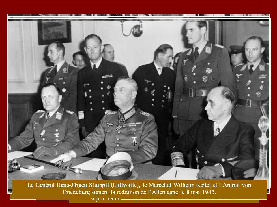 23 aout 1939 Les signataires du pacte de « non-agression ». Von Ribbentrop Staline Molotov