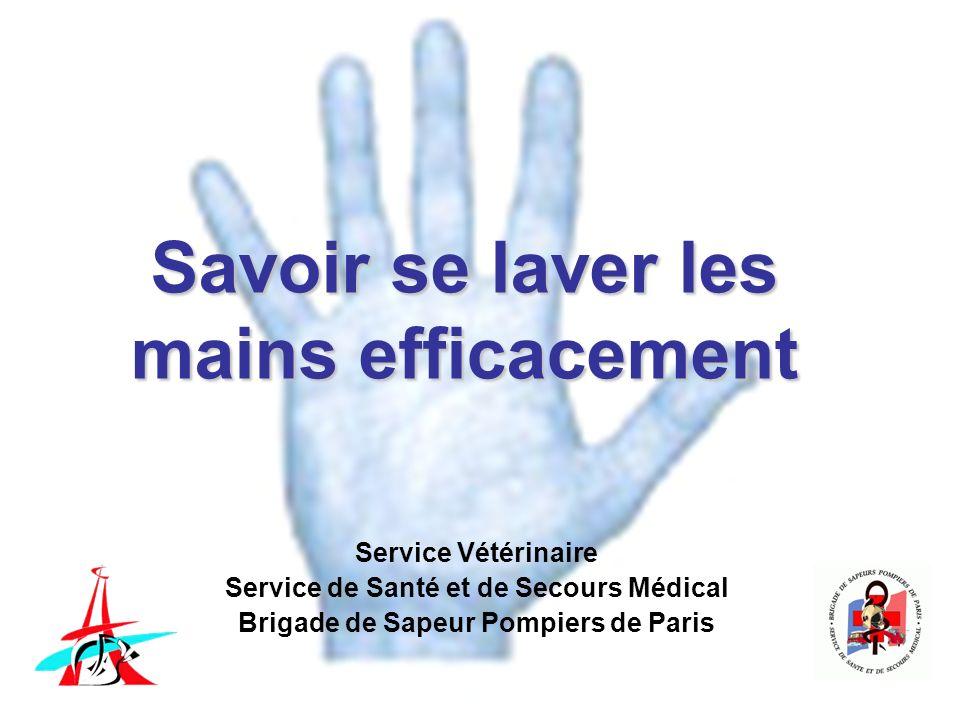 Se laver les mains efficacement Phase de savonnage - Insister sur la pulpe des doigts, la surface des paumes, le dos des mains, le bord externe des mains, le espaces interdigitaux et les poignets - Savonner au minimum 15 secondes - Brosser le bout des doigts