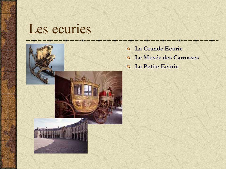 Château de Versailles Dès 1623, Louis XIII, le père de Louis XIV, construit à Versailles un rendez-vous de chasse, un petit château de gentilhomme en brique, pierre et ardoise.