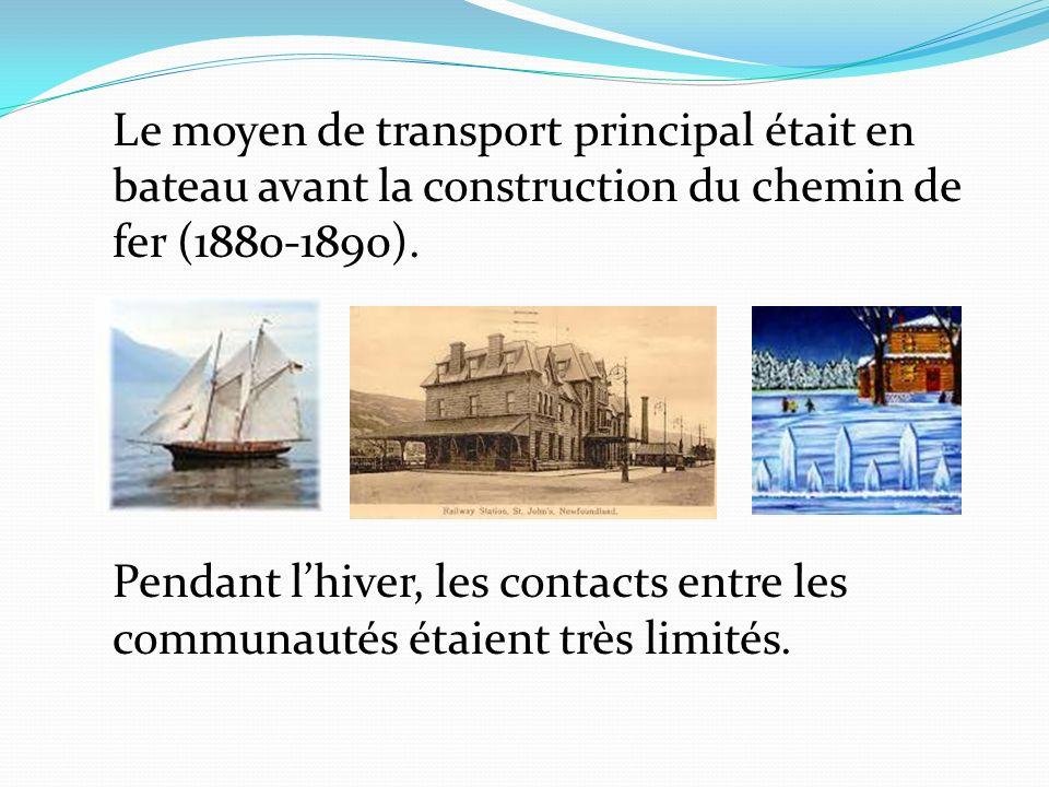 Le moyen de transport principal était en bateau avant la construction du chemin de fer (1880-1890). Pendant lhiver, les contacts entre les communautés