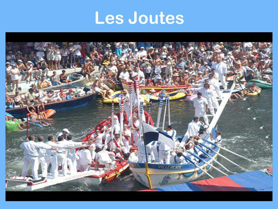 Coutume du Cap dAgde La fête de la mer : Défilé, tournoi de joutes catégorie Juniors avec la SNJA, messe en plein air, bénédiction des bateaux.