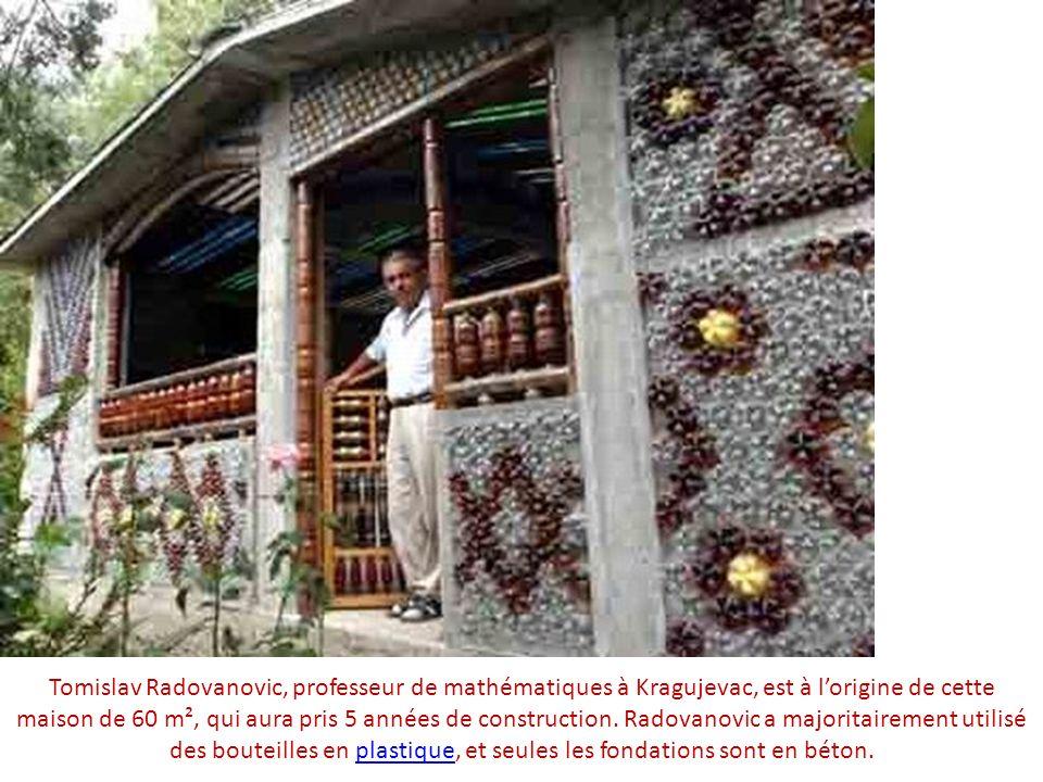 Tomislav Radovanovic, professeur de mathématiques à Kragujevac, est à lorigine de cette maison de 60 m², qui aura pris 5 années de construction. Radov