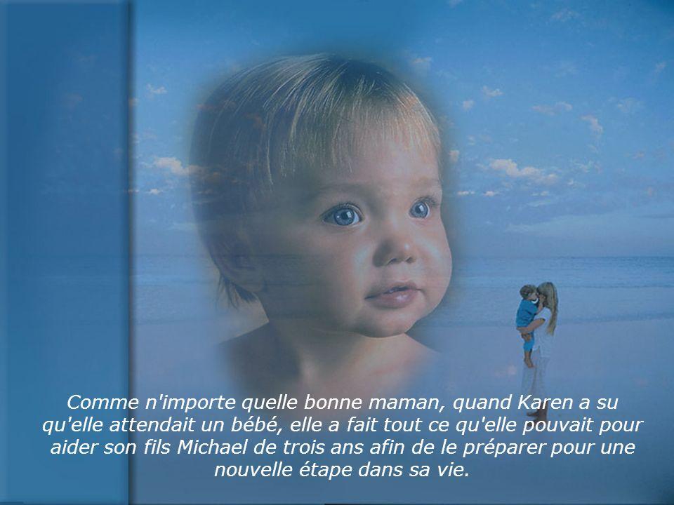Ils ont su que le nouveau bébé serait une fille et tous les jours Michael chantait pour sa petite sœur dans le ventre de sa mère.