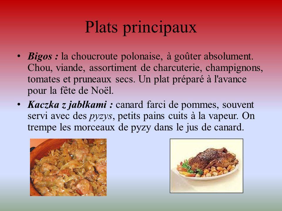 Plats principaux Bigos : la choucroute polonaise, à goûter absolument. Chou, viande, assortiment de charcuterie, champignons, tomates et pruneaux secs
