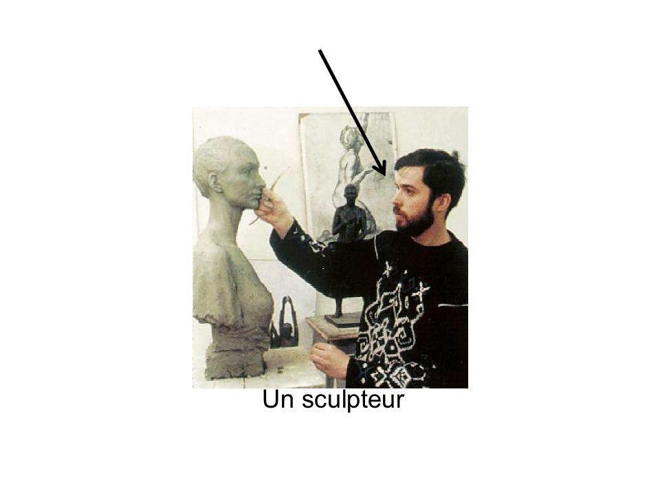 Un sculpteur