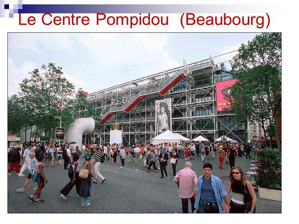 Chaque année, le Centre Pompidou reçoit plus de 6.000.000 visiteurs.