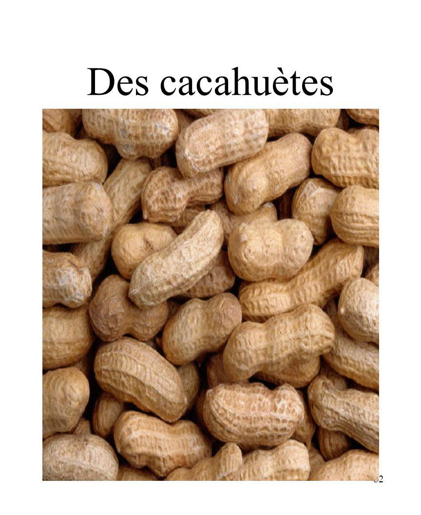 82 Des cacahuètes