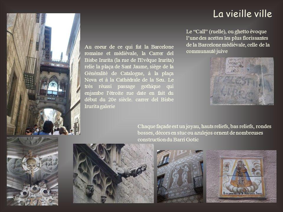 La vieille ville Au coeur de ce qui fut la Barcelone romaine et médiévale, la Carrer del Bisbe Irurita (la rue de l'Evêque Irurita) relie la plaça de