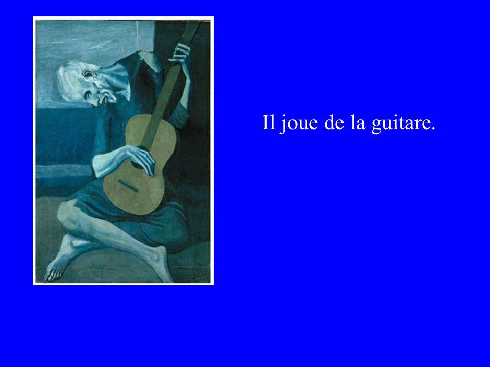 Il joue de la guitare.