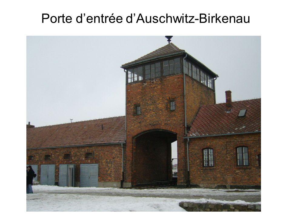 Porte dentrée dAuschwitz-Birkenau