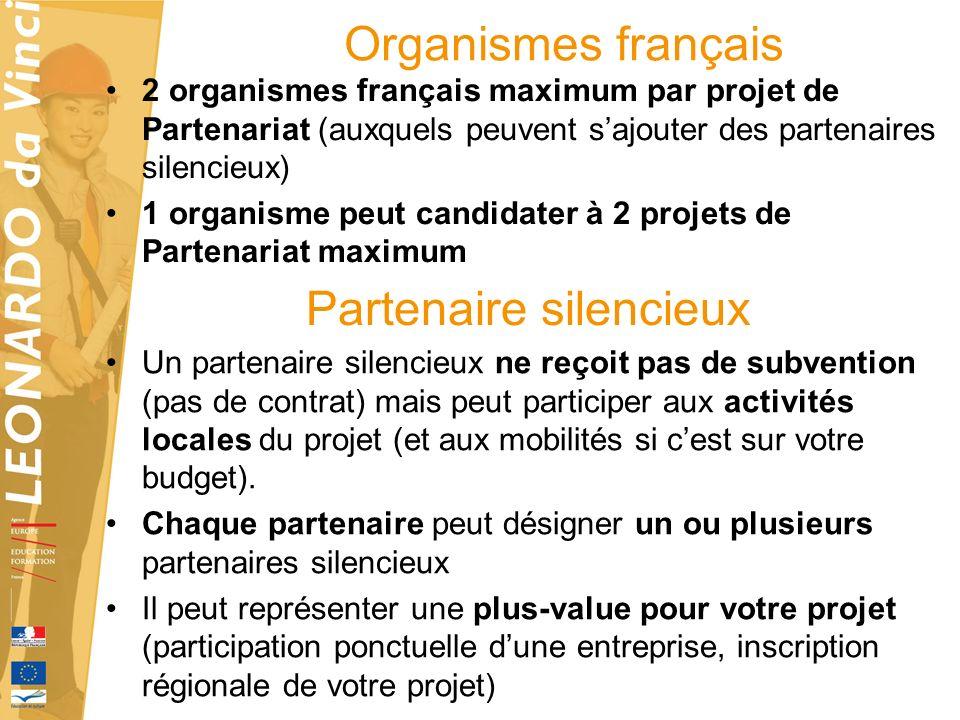 Rôle du coordonnateur et des partenaires COORDONNATEUR PARTENAIRE -coordonne la candidature : développe des réponses en collaboration avec tous les autres partenaires.