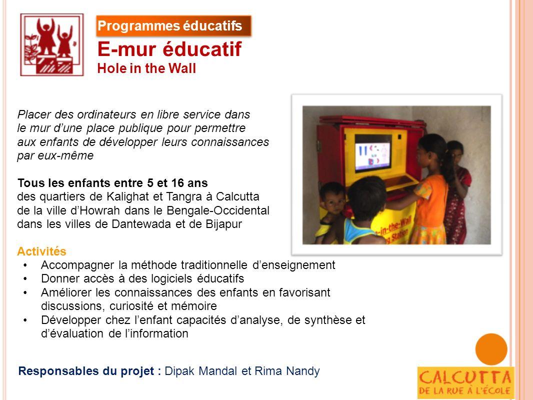 Placer des ordinateurs en libre service dans le mur dune place publique pour permettre aux enfants de développer leurs connaissances par eux-même Tous
