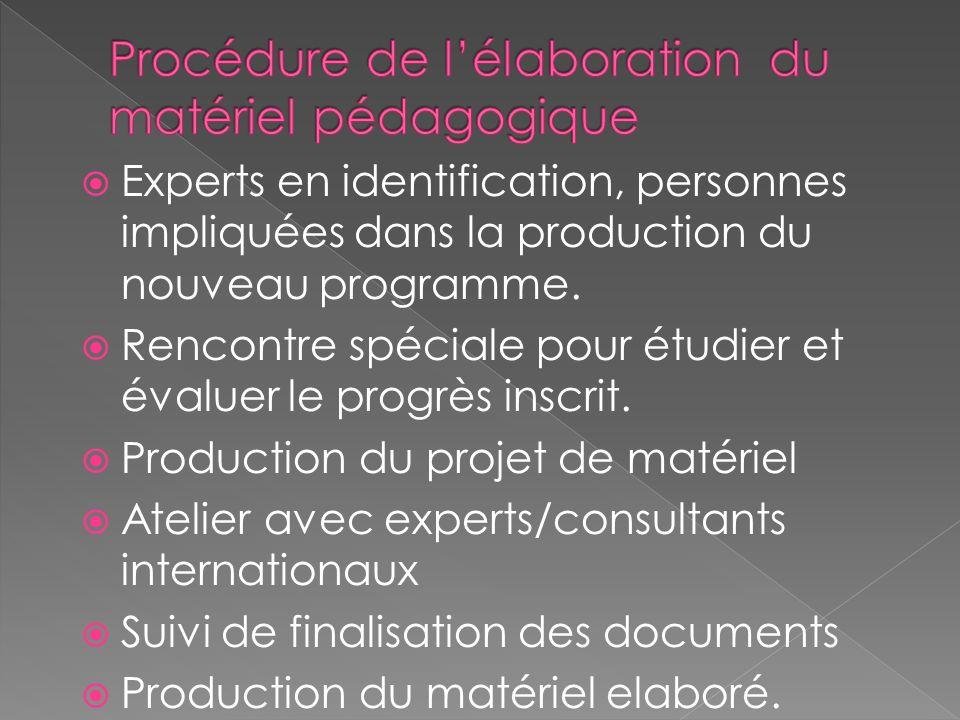 Experts en identification, personnes impliquées dans la production du nouveau programme.