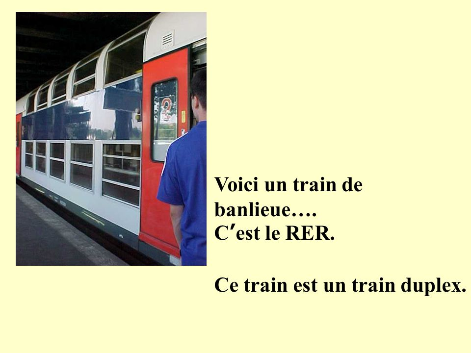 Voici linterieur du RER Des trains de banlieu ne sont pas très luxueux!