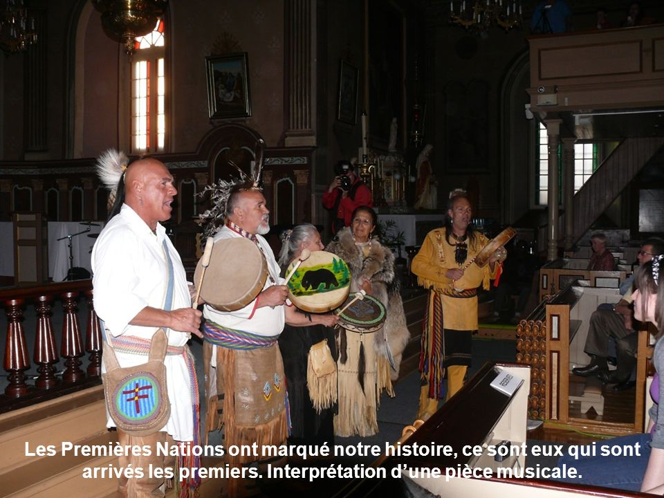 Les Premières Nations ont marqué notre histoire, ce sont eux qui sont arrivés les premiers. Interprétation dune pièce musicale.