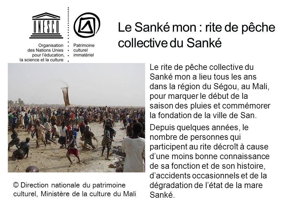 Le rite de pêche collective du Sanké mon a lieu tous les ans dans la région du Ségou, au Mali, pour marquer le début de la saison des pluies et commém