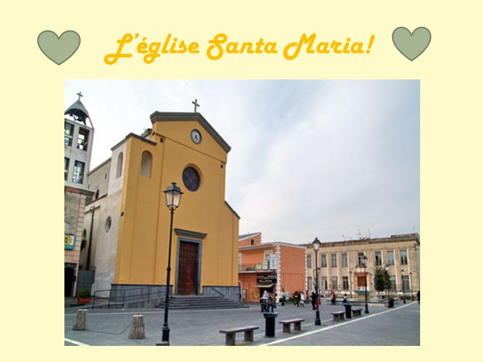 Histoire de la paroisse L église paroissiale dédiée à Notre-Dame sous le titre de «Santa Maria Scandalis pour nous délivrer de la skandalon grec - piège - était le centre d une querelle(1658 - 1882) entre le diocèse de Pozzuoli et Naples, pour la puissance sur elle.