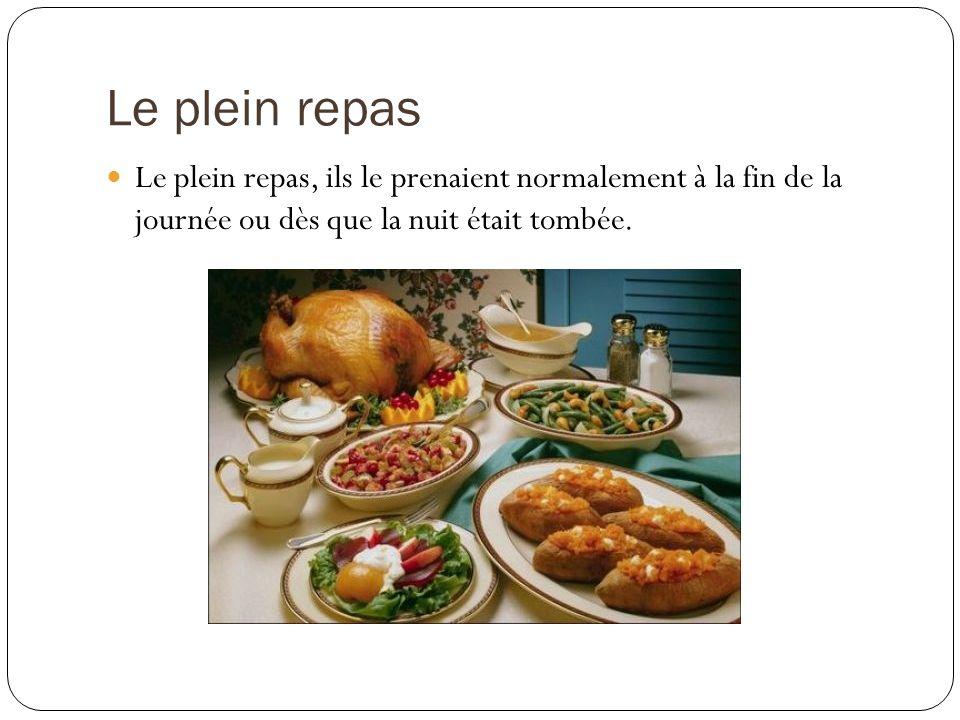 Le déjeuner dans la Grèce antique Vers midi ou dans laprès-midi, les Grecs prenaient un repas très simple et vite fait.