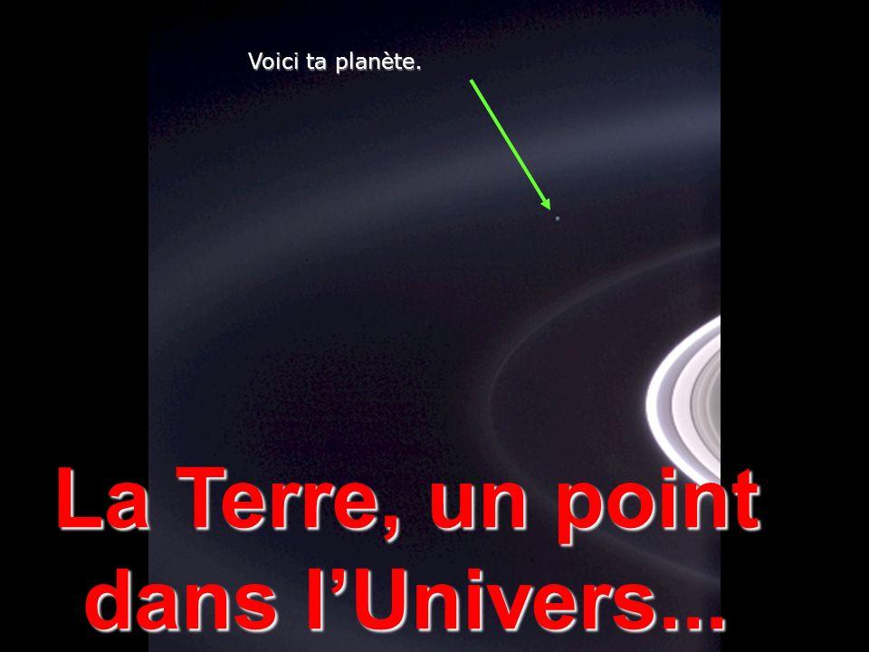 Héla aquí, pues: Considère un instant cette photo. Elle fut prise par la sonde Cassini-Huygens, Une navette spatiale automatique, en 2004, Quand elle