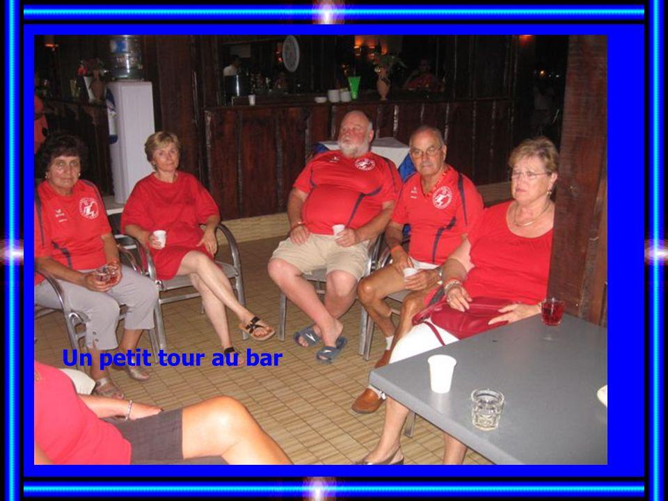 Toujours les mêmes au bar